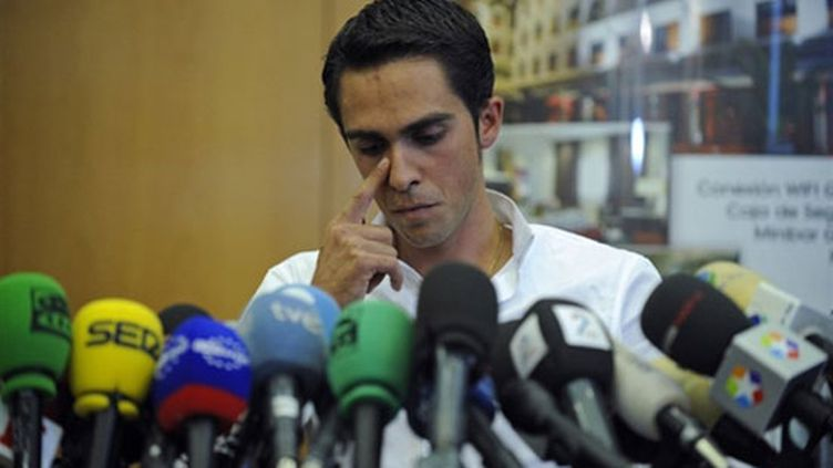 L'Espagnol Alberto Contador a été suspendu à titre provisoire après le résultat anormal de son contrôle antidopage dans le Tour de France.