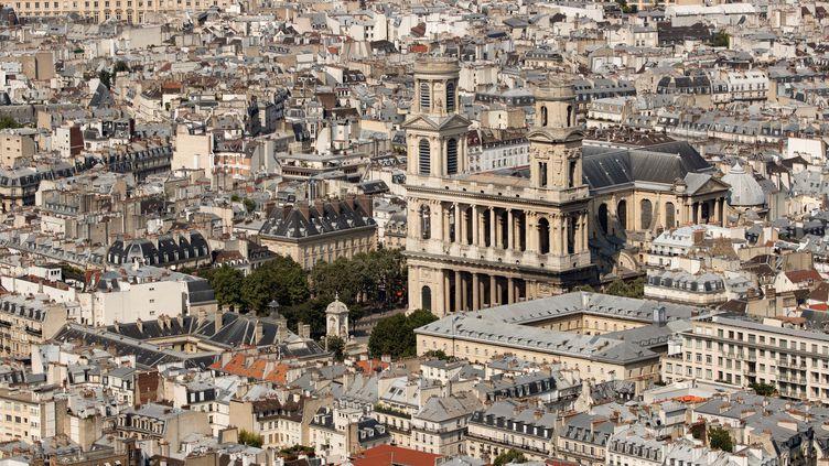 L'église Saint-Sulpice où se tiendra, lundi 30 septembre, le service solennel en hommage à Jacques Chirac. (THOMAS SAMSON / AFP)