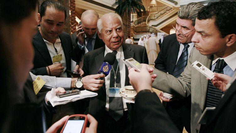 Hazem El-Beblaoui, le 7 septembre 2011, lors d'une réunion de ministres des Finances du Golfe et du monde arabe, à AbouDabi. (JUMANA EL-HELOUEH / REUTERS)