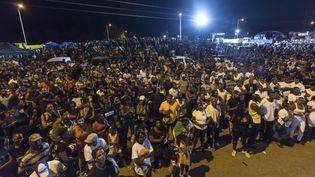Des manifestants près de Cayenne en Guyane le 25 mars 2017. (JODY AMIET / AFP)