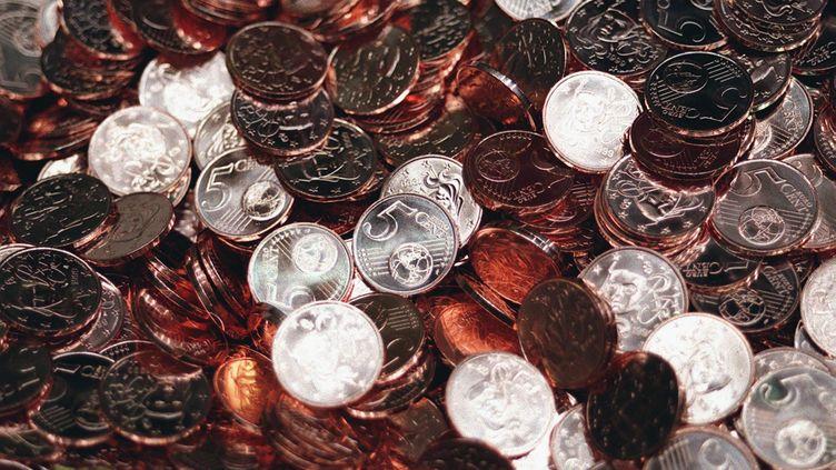 Des centimes d'euros, dans l'établissement monétaire de Pessac (Gironde). (FRANCOIS GUILLOT / AFP)