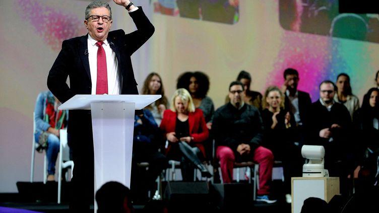 Le discours de Jean-Luc Mélenchon à Reims, en clôture de la convention de l'Union populaire, le 17 octobre 2021. (FRANCOIS NASCIMBENI / AFP)