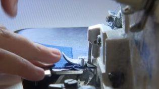 Une des plus vieilles enseignes de vente par correspondance Blancheporte a créé un nouveau moyen de se renouveler : créer une gamme de produits en recyclant ses invendus. (France 3)