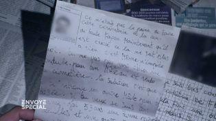 """Le """"serial"""" corbeau de la Mayenne qui écrivait des lettres obscènes aux veuves de la région (ENVOYE SPECIAL / FRANCE 2)"""
