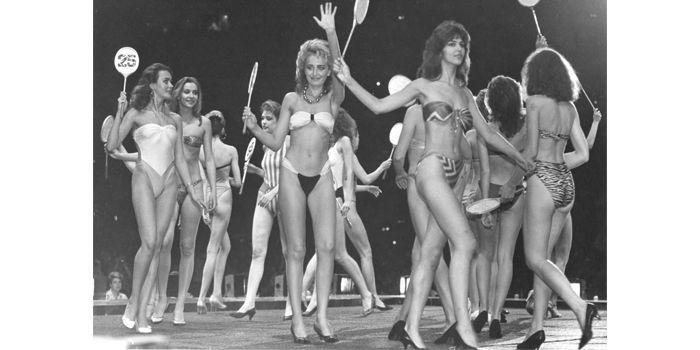 Concours de miss à Moscou 1988  (Coll. BDIC, Fonds France-URSS / Tass)