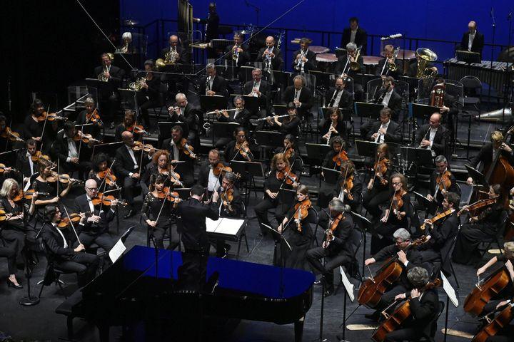Festival international de musique de Besançon le 7 septembre 2019. Ben Glassberg dirige l'Orchestre Philharmonique de Radio-France. (FRANCK LALLEMAND / MAXPPP)