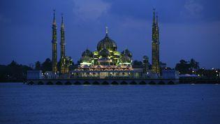 La mosquée deKuala Terengganu, capitale de l'Etat où les deux femmes ont été jugées, le 9 février 2008. (TIM CHONG / REUTERS)