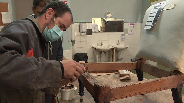 80personnesen situation de handicap travaillent ici. (FRANCE 3)