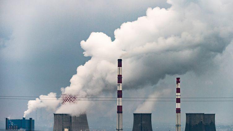 Une centrale à charbon, le 12 décembre 2018 à Bedzin (Pologne). (MONIKA SKOLIMOWSKA / DPA-ZENTRALBILD / AFP)