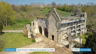 Les travaux de l'Abbaye Sainte-Marie de Longues-sur-Mer ont débuté (France 3 Normandie)