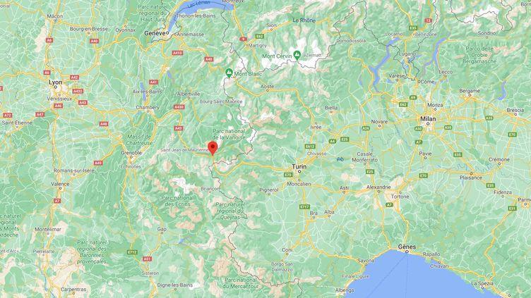 Plus d'une centaine de saisonniers ont installés des barrages filtrants sur l'autorouute A43, au niveau de l'accès au tunnel du Fréjus à Modane (Savoie), le 1er février 2021. (GOOGLE MAPS)