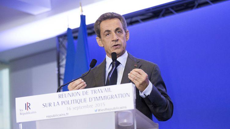 (Nicolas Sarkozy lors de la réunion de travail sur la politique d'immigration au siège des Républicains à Paris le 16 septembre 2015 © MaxPPP)