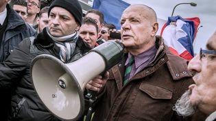 Le général Christian Piquemal pendant une manifestation anti-migrants à Calais (Pas-de-Calais), le 6 février 2016. (PHILIPPE HUGUEN / AFP)