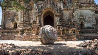 Ici le temple Myauk Guni, lui aussi fortement endommagé par le tremblement de terre. (YE AUNG THU / AFP)