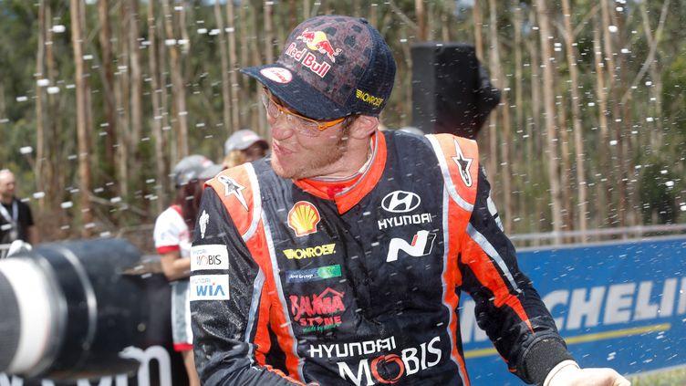 Thierry Neuville (Hyundai) heureux