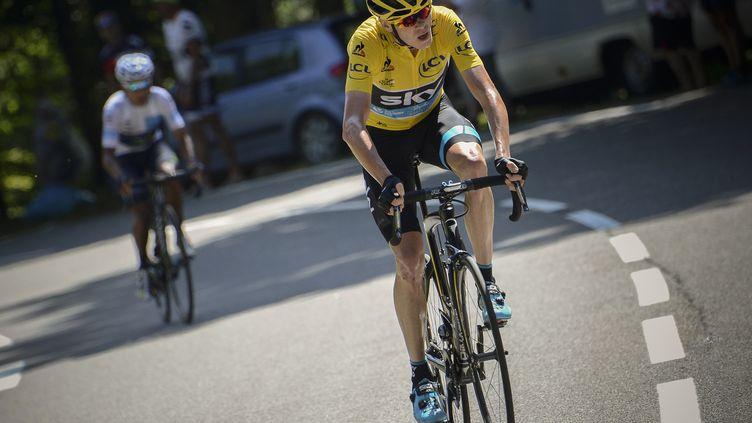 L'attaque de Chris Froome a laissé Nairo Quintana sur place (JEFF PACHOUD / AFP)