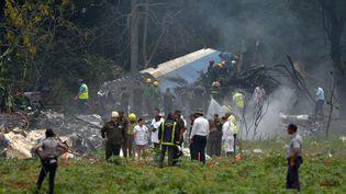 La carcasse de l'avion qui s'est écrasé au décollage de La Havane (Cuba), le 18 mai 2018. (YAMIL LAGE / AFP)