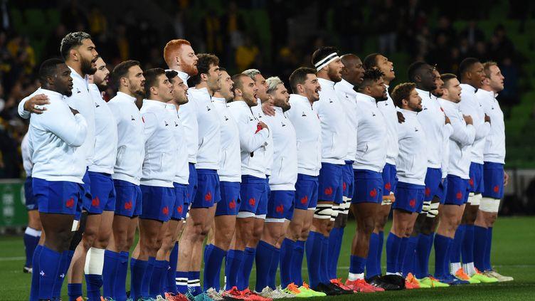 Les joueurs du XV de France avant le test match contre l'Australie, à Melbourne, le 13 juillet 2021. (SIMON BAKER / AFP)