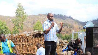 Maxwell Matewere, lors d'une campagne de sensibilisation au Malawi sur la menace de la traite des êtres humains. (ONUDC)