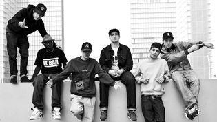 1995 remet les pendules à l'heure: (de gauche à droite) Nekfeu, Alpha Wann, Areno Jaz, Dj Lo, Sneazzy et Fonky Flav'  (Jonathan Mannion)