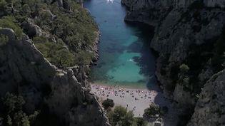 Marseille : des calanques interdites aux bateaux de plaisance (FRANCE 2)