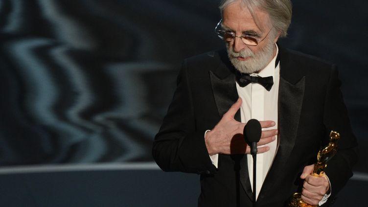 """Le réalisateur MichaelHaneke a remporté à Hollywood l'Oscar du meilleur film étranger pour """"Amour"""", le 24 février 2013. (ROBYN BECK / AFP)"""