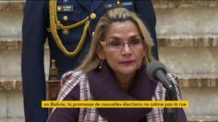 Jeanine Añez, autoproclamée présidente par intérim de Bolivie (FRANCEINFO)