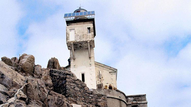 (Le phare de Tévennec est inhabité depuis plus de cent ans © MaxPPP)
