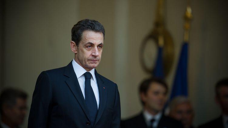 Nicolas Sarkozy, le jeudi 26 janvier 2011 sur le perron de l'Elysée, à Paris. (OCHLIK MORIN / MAX PPP)