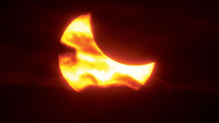 Photographie d'une éclipse partielle de Soleil, survenue le 23 octobre 2014. Elle était visible depuis les Etats-Unis. (JOHN BADMAN AP / SIPA)