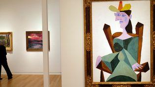 """""""Femme assise de Picasso en vente chez Sotheby's aux enchères d'automne à new York (30 octobre 2015)  (Jewel Samad / AFP)"""