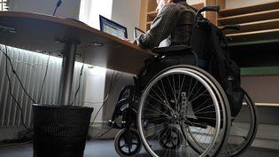 Un travailleur handicapé. (MYCHELE DANIAU / AFP)