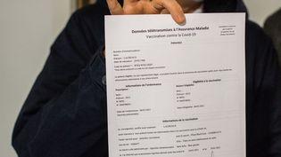 Fiche d'information d'un patient entré dans le processus de vaccination contre le Covid-19. Suivi de données, traçabilité du vaccin. (Illustration) (BURGER / PHANIE / AFP)