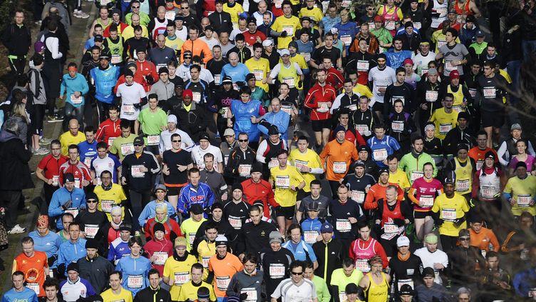 Lors de la 21e édition du semi-marathon de Paris, le 3 mars 2013 (photo d'illustration). (LIONEL BONAVENTURE / AFP)