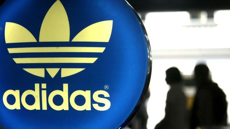 L'équipementier sportif allemand Adidas a anticipé un possible éclatement de la zone euro. (TIMM SCHAMBERGER / DDP / AFP)