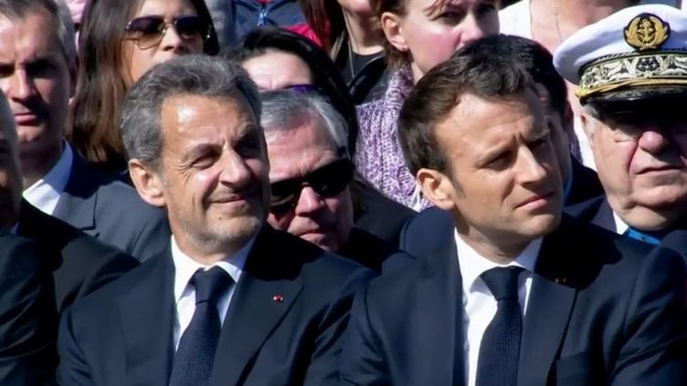 Emmanuel Macron et Nicolas Sarkozy se sont affichés ensemble dimanche 31 mars, lors de la commémoration sur le plateau des Glières, en Haute-Savoie. (FRANCE 3)