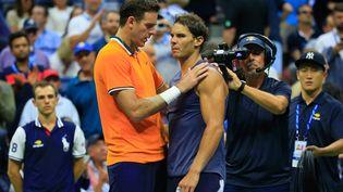 L'Argentin Martin Del Potro et l'Espagnol Raphaël Nadal, lors de la demi-finale de l'US Open, vendredi 7 septembre 2018 à New York. (CHRIS TROTMAN / GETTY IMAGES NORTH AMERICA)