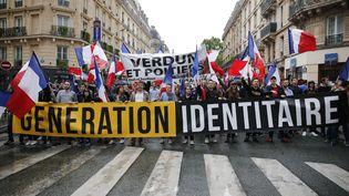 Une manifestation du mouvement d'extrême-droite Génération identitaire, à Paris, le 28 mai 2016. (MATTHIEU ALEXANDRE / AFP)