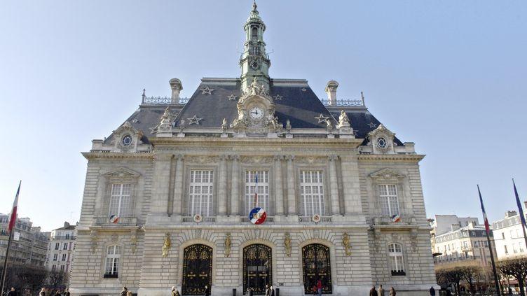 La mairie de Levallois-Perret (Hauts-de-Seine), en février 2008. (STEPHANE DE SAKUTIN / AFP)