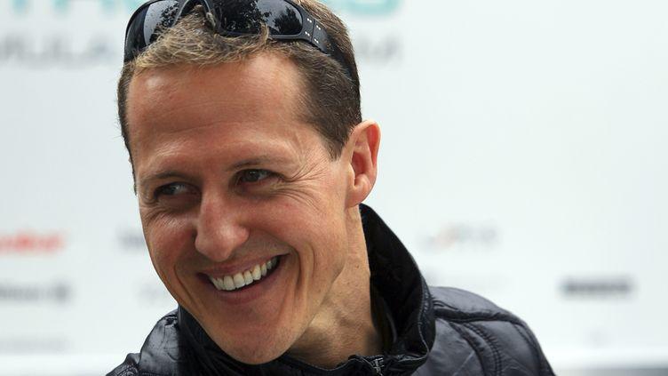 Le champion de F1 Michael Schumacher, le 24 mars 2011 à Melbourne (Australie). (SCOTT WENSLEY / REUTERS)