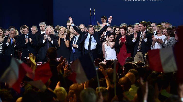 Le candidat de la droite et du centre, François Fillon, lors de son meeting à Paris, dimanche 9 avril 2017. (MUSTAFA YALCIN / AFP)