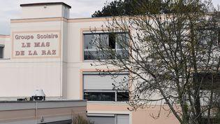 L'école primaire de Villefontaine (Isère) dont le directeur a été mis en examen, le 25 mars 2015, pour viols et agressions sexuelles sur mineurs. (PHILIPPE DESMAZES / AFP)