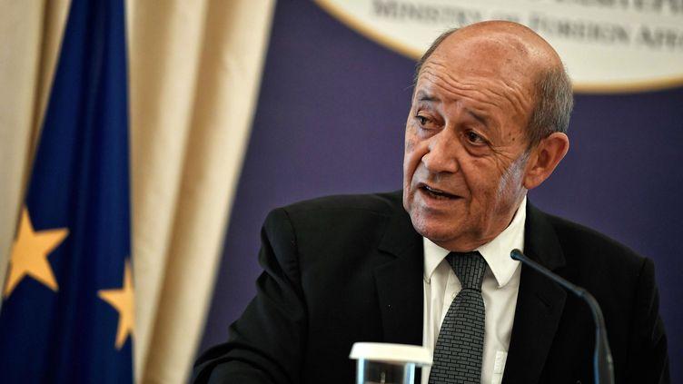 Le ministre des Affaires étrangères, Jean-Yves Le Drian, le 6 septembre 2018 à Athènes. (LOUISA GOULIAMAKI / AFP)