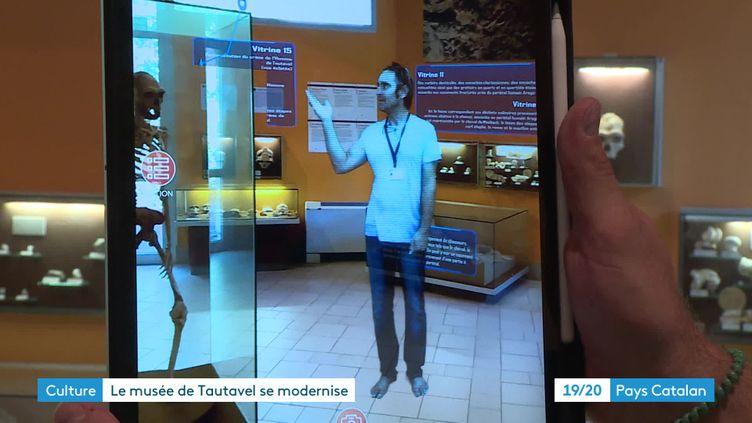 Un hologramme sert de guide au musée de la Préhistoire de Tautavel (France 3 Pays Catalan)