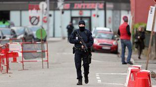 Un opération de police dans le quartier du Neudorf, à Strasbourg, le 13 décembre 2018. (JEAN-MARC LOOS / MAXPPP)