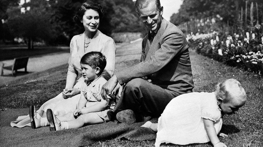 Décès du prince Philip : l'hommage du prince Charles à son père
