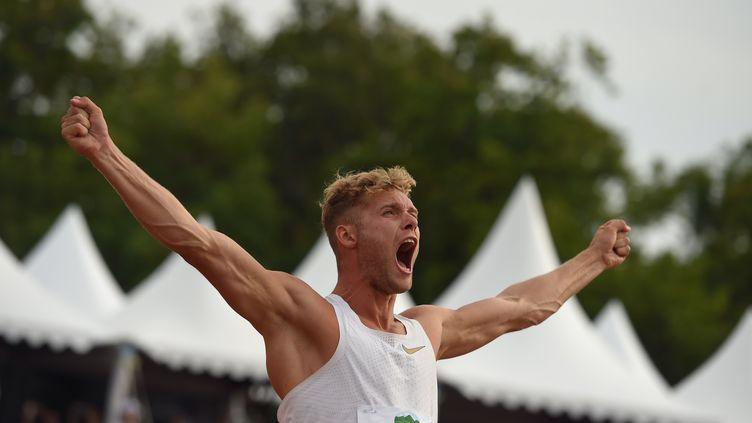 Kevin Mayer nouveau recordman du monde du décathlon (NICOLAS TUCAT / AFP)
