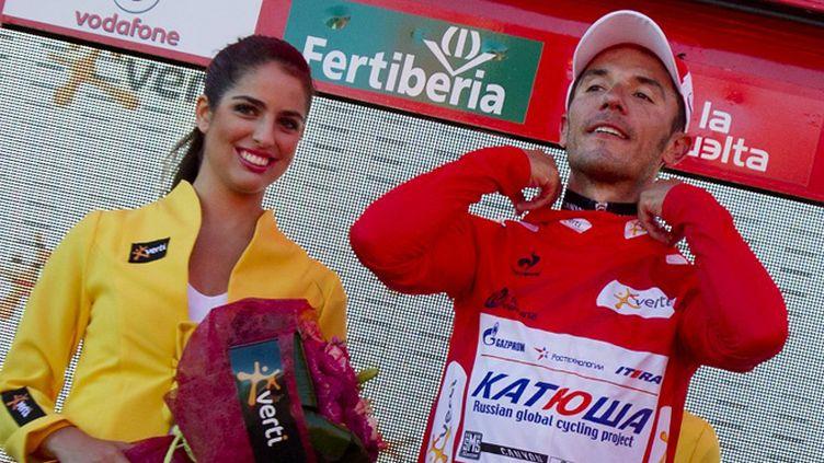 """Purito"" Rodriguez (Katusha) enfile son maillot rouge (JAIME REINA / AFP)"