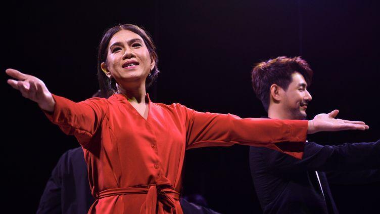 L'actrice Tanwarin Sukkhapisit,une des deux premières députées transsexuelles de Thaïlande, le 31 mai 2019, à Bangkok. (CHALINEE THIRASUPA / AFP)