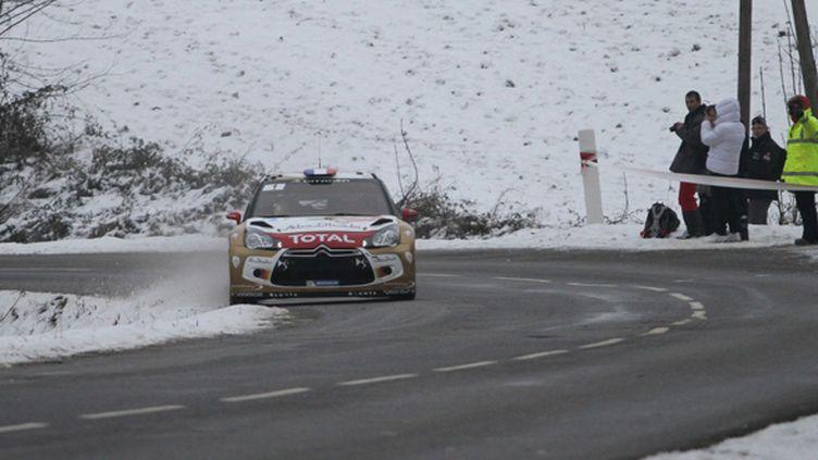 Sébastien Loeb sur les routes verglacées du Monte-Carlo (DENIS WERWER / MAXPPP)